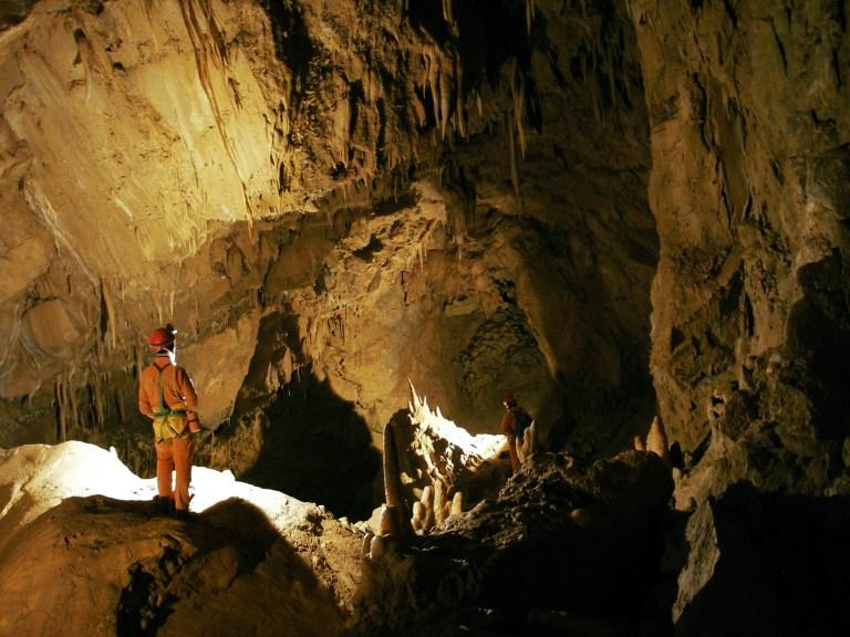 Grotta-dei-Cinghiali-Volanti