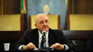 Vincenzo-De-Luca-resoconto-fine-anno-2012-