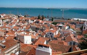Alfama-a-Lisbona